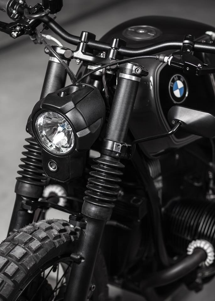 Vagabund: скрэмблер BMW R100R