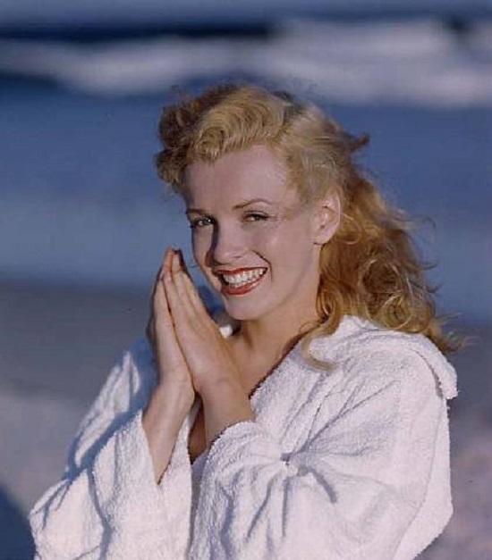 Уникальные снимки, которые открыли миру легендарную Мэрилин Монро... Такой вы еще ее не видели!
