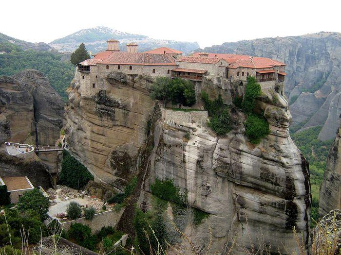 Фото Монастыри Метеоры, Греция. 20 (700x525, 90Kb)