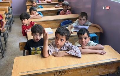 Российские военные восстанавливают школу под Дамаском
