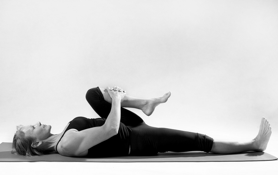 8 упражнений и поз из йоги, с которыми вы навсегда забудете о болях в спине