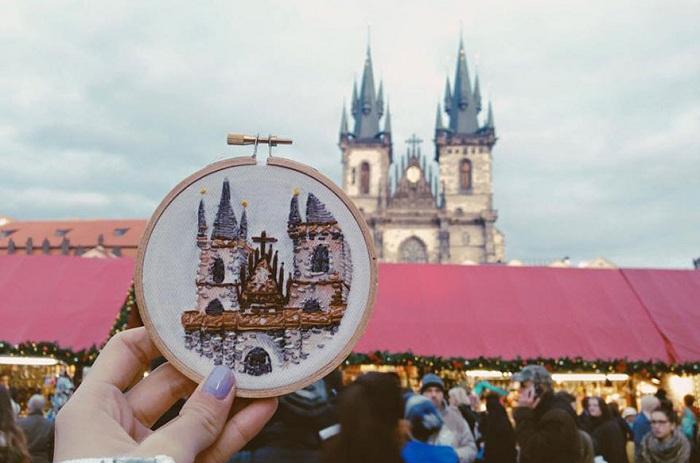 «Вышивая путешествия»: рукоделие вместо фотографий на память