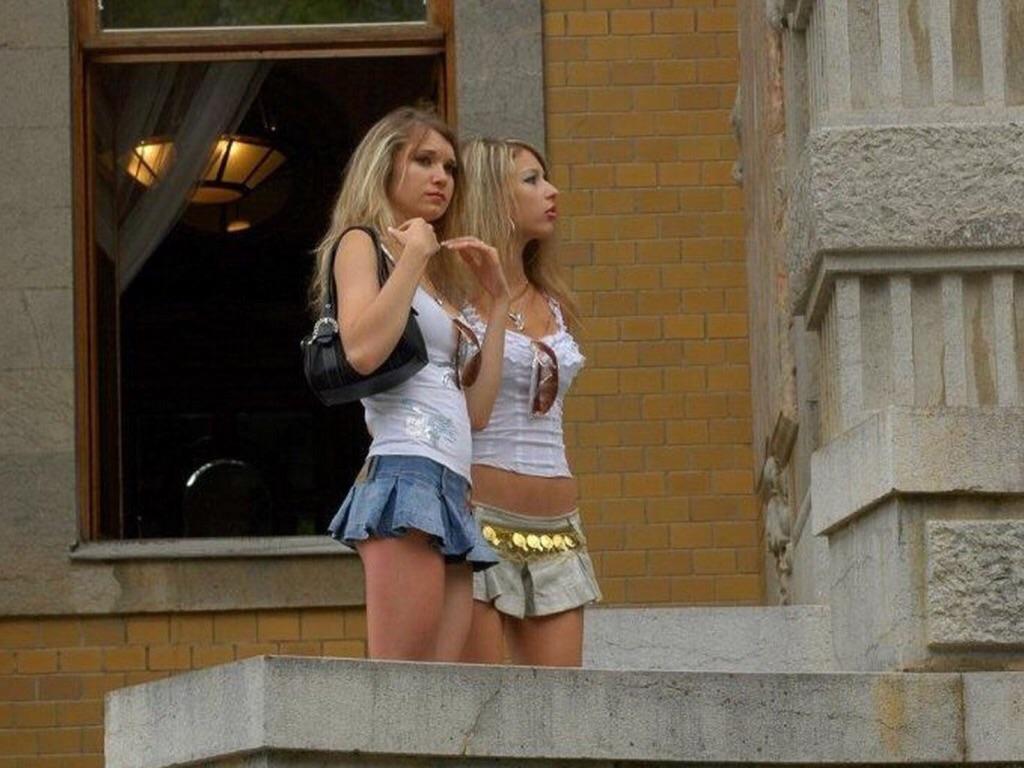 Жопастые девочки на улице фото 340-242