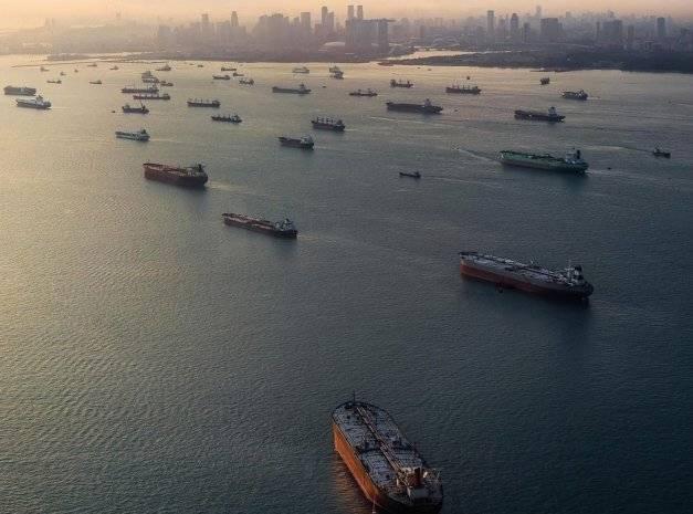 Чем потопить торговый флот противника?