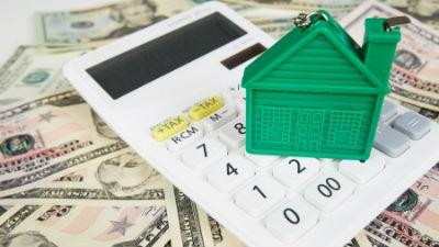 Валютным ипотечникам объяснили, почему не пересчитают их долги по льготному курсу