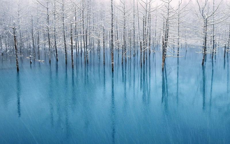 Голубой пруд Биэй зимой