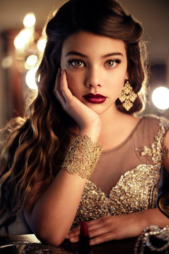 Мода и стиль очень красивых женщин