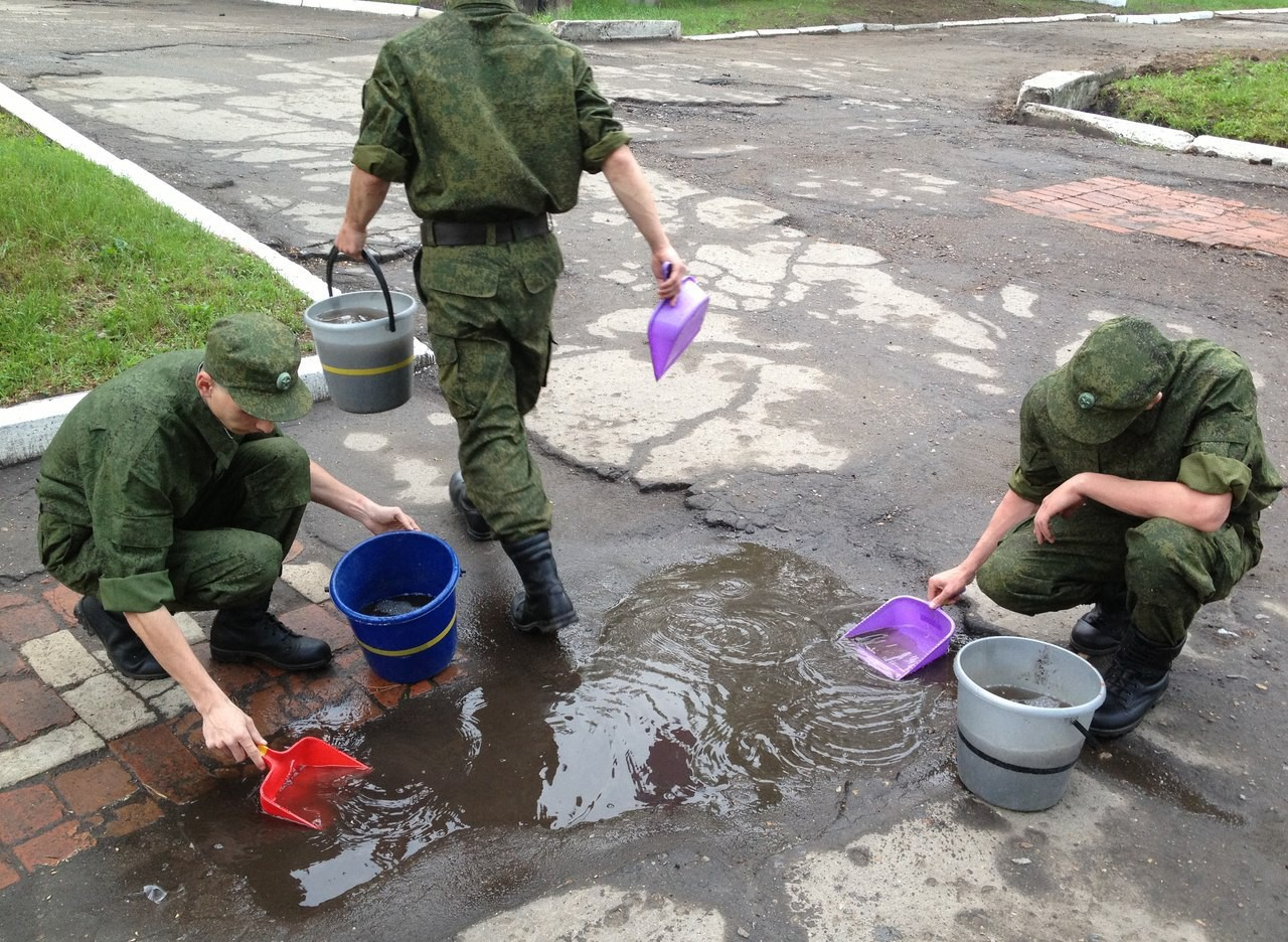 Солдат в туалете 23 фотография