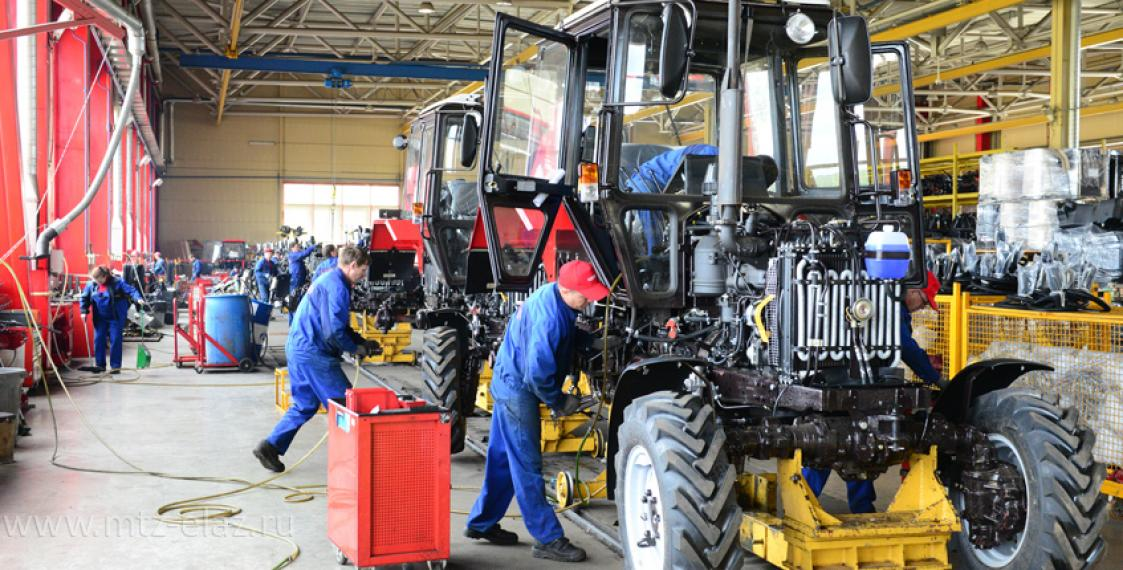 В Беларуси туристам предложат собрать трактор