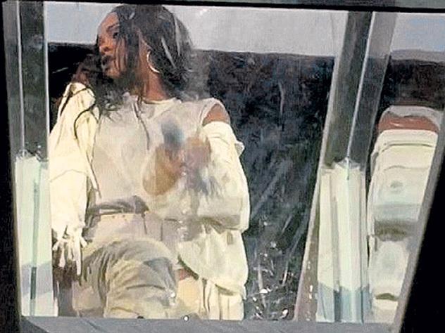 Слёзы Рианны испугали поклонников