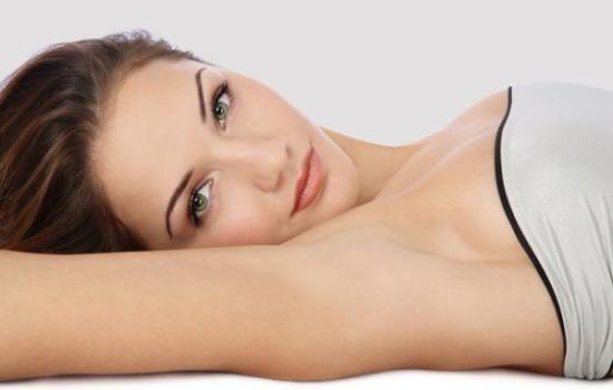 Как отбелить кожу подмышек