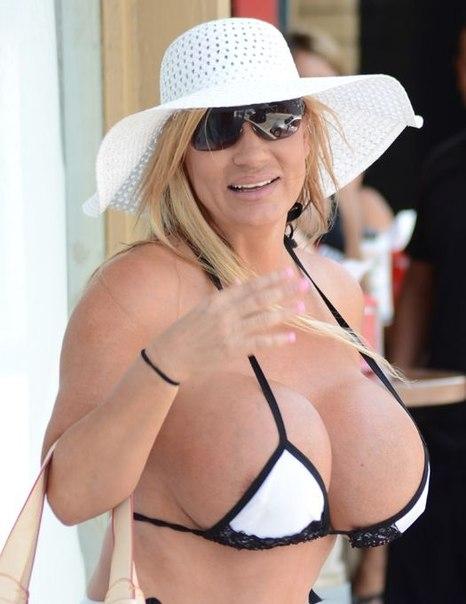 Лейсм Уайлд хочет сделать грудь еще больше