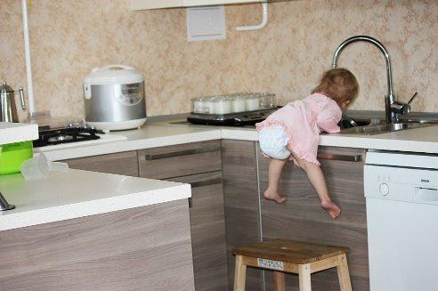 не могла пройти мимо надо вымыть посуду (492x327, 114Kb)
