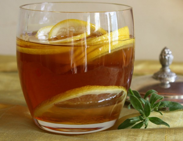 По утрам - пить воду с медом и лимоном!