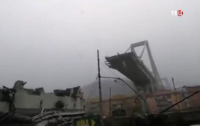 Десятки человек стали жертвами обрушения моста в Италии