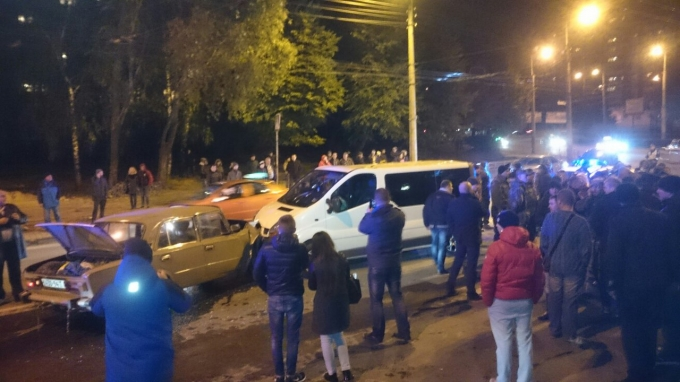 Любителей смотреть на последствия аварий и снимать их на видео ждут тюремные нары