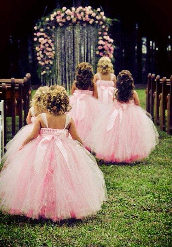 Детская мода: платье для мал…