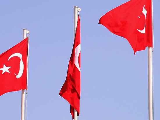 Российский военный корабль «нагрубил» Турции, проходя через Босфор