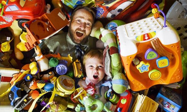 Хватит заваливать ребенка игрушками!