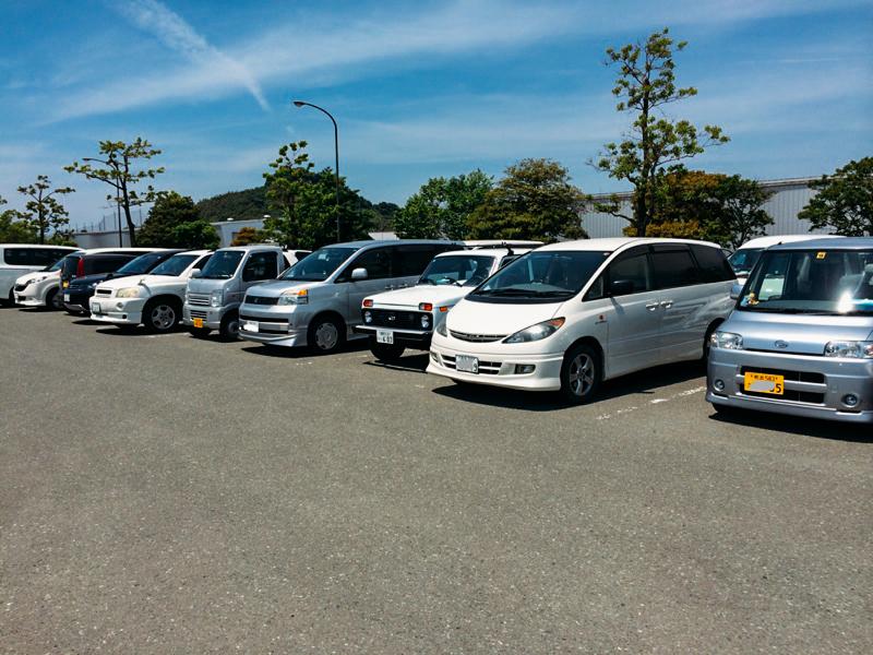 Казалось бы, зачем японцы покупают морально и технически устаревшее «ведра», если у них есть крутейшие автомобили, созданные по последнему слову техники? Сложный вопрос. Но, как бы там ни было, они любят такие машины. ваз, нива, япония