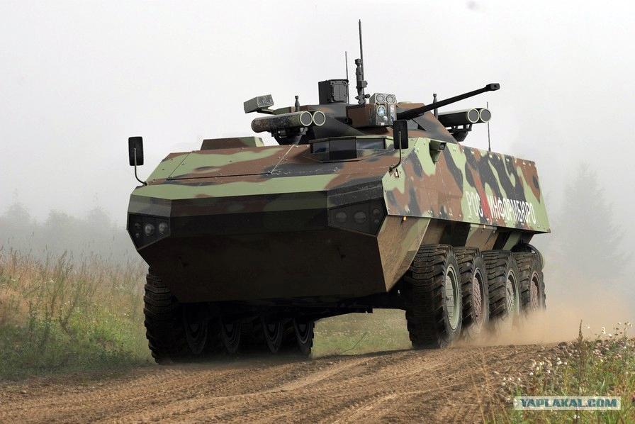 Эффект «Бумеранга»: новый российский БТР отразит даже танковую атаку ( Видео)