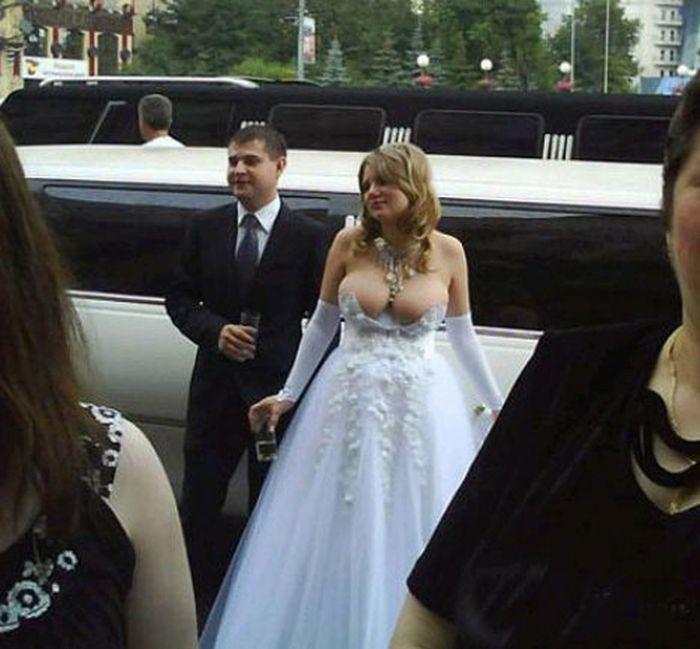12. Сюда бы чуть больше ткани Свадебные платья, свадьба