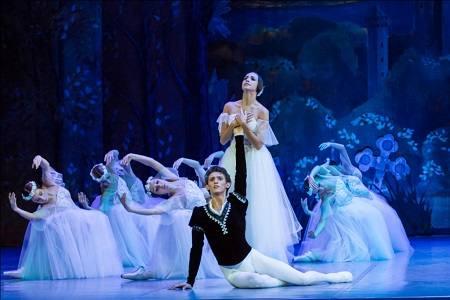 Красноярские танцоры выступят в Париже на юбилее Мариуса Петипа