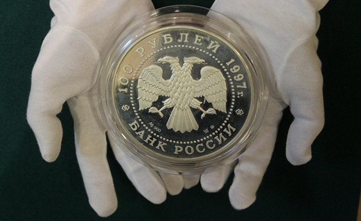Bloomberg (США): Во время бури на рынке смотрите на Россию