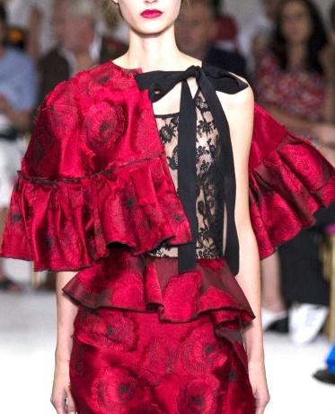 Oscar de la Renta весна-лето 2016: страстные и элегантные наряды, вдохновленные Испанией