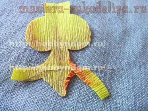 Орхидея из гофрированной бумаги без конфет своими руками