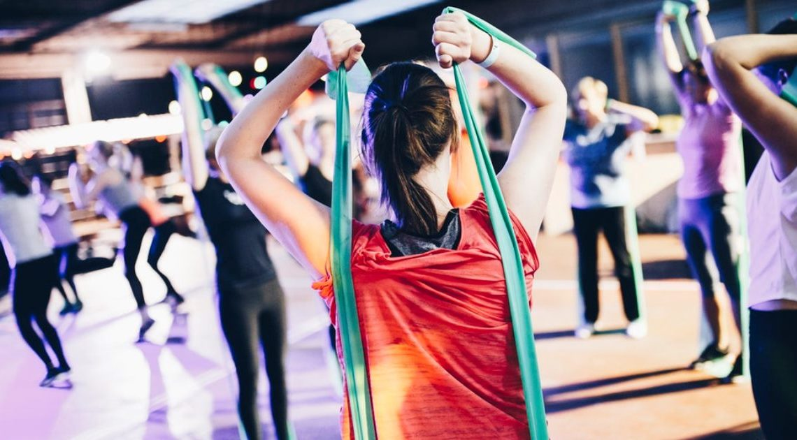 3 вечерних упражнения для позвоночника