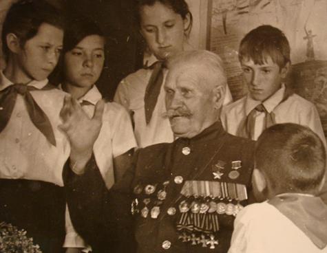 Как казак царские кресты ссоветскойзвездой помирил