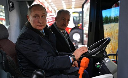 Владимир Путин обратил внимание на высокую стоимость бензина в России