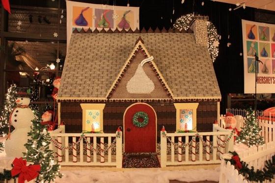 """Рождественский шоколадный домик от компании """"Hershey's"""""""