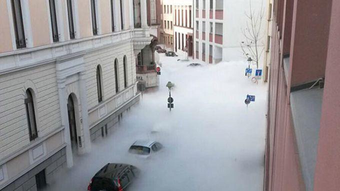 Смертельный туман заполнил улицы города!