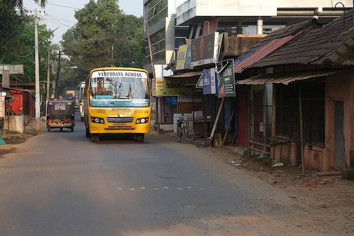 В Индии автобус рухнул в канал: 5 человек погибли, 20 получили ранения