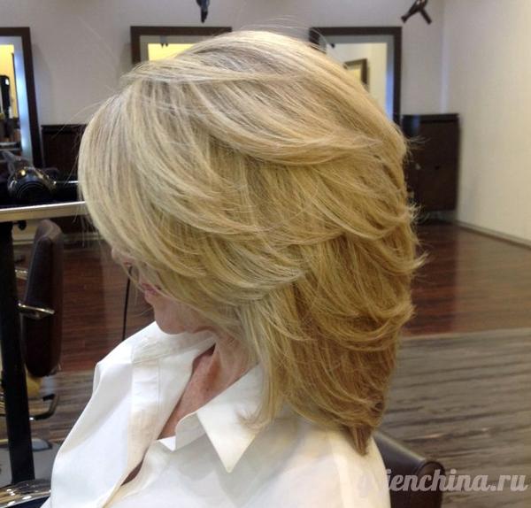 стильная стрижка на средние волосы 2014