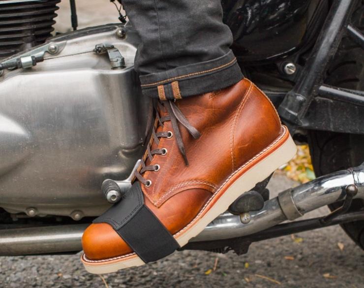 С заботой о мотоциклистах и их обуви