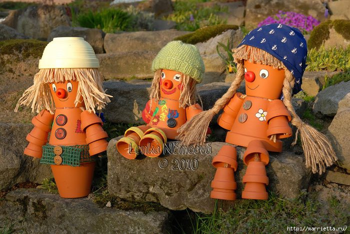 Фигурки из горшков для сада