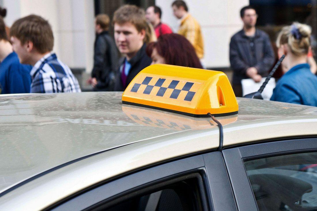 В кризис россиянам предложат подрабатывать таксистами