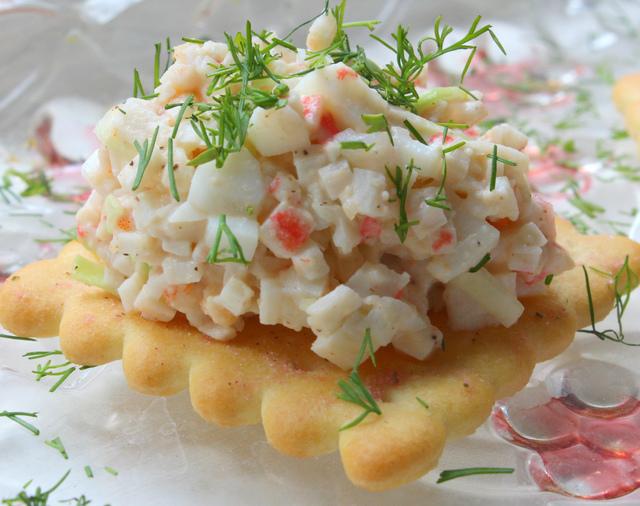 Фото к рецепту: Салат-закуска  морской