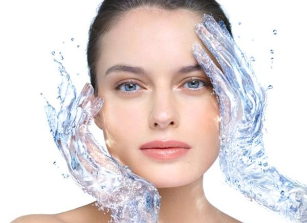 Как увлажнить кожу лица в жаркую погоду