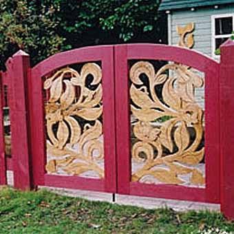 резные деревянные калитки для сада