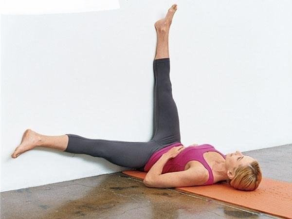 Выполняйте эти упражнения в течение 2-х недель и вы заметите, как исчезает ваш животик!)