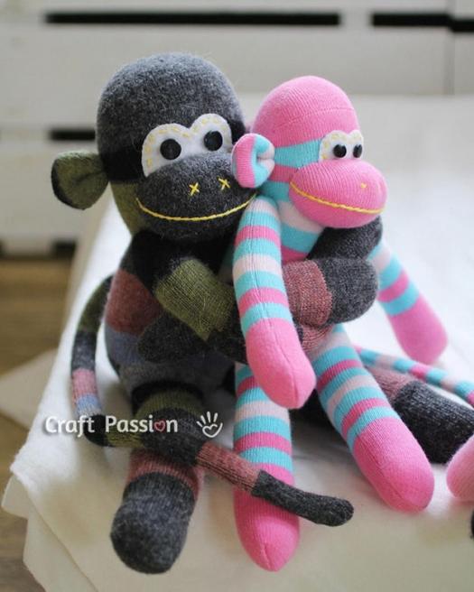 Игрушки из носков. Делаем забавных обезьянок