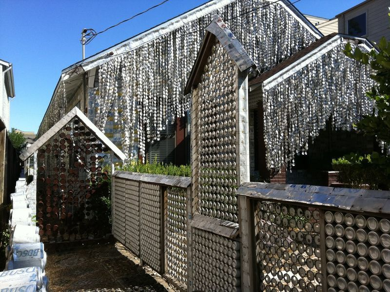 дом из алюминиевых банок