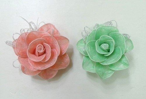 Розы из мусорных пакетов