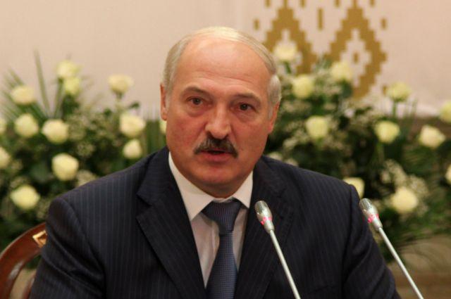 Лукашенко поручил чиновникам пересесть на белорусские автомобили
