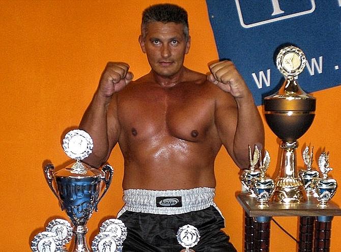 Герой Кельна: славянский кик-боксёр спас женщин в ночь изнасилований, избив толпу мигрантов
