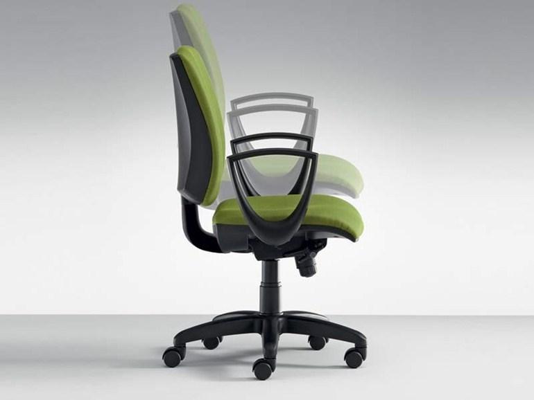 Забота о здоровье: критерии выбора рабочего кресла